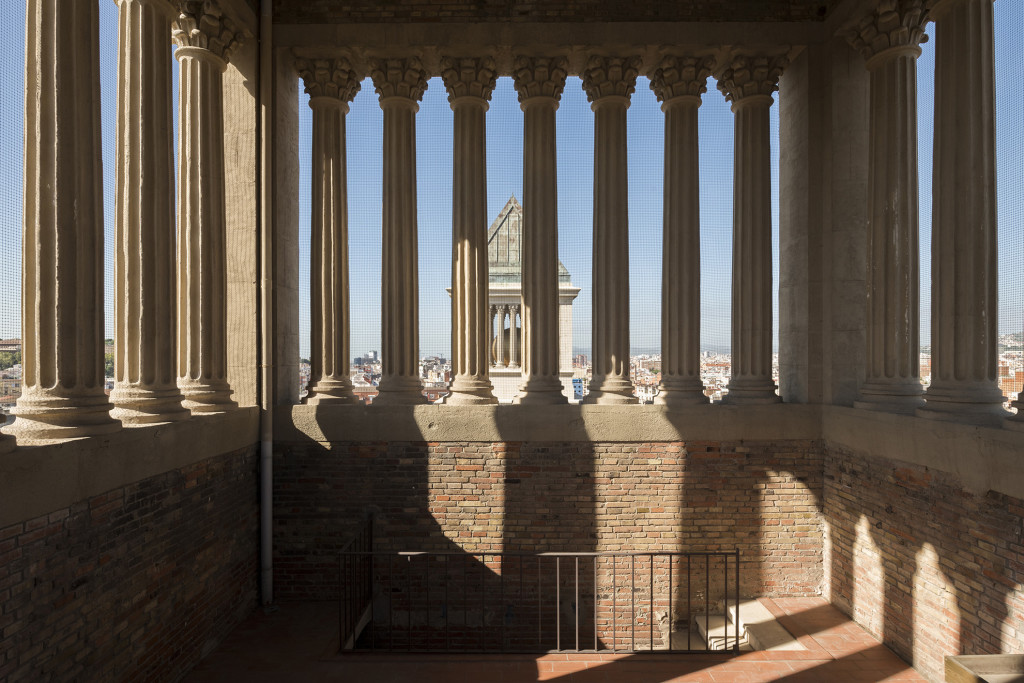 Composicions 2018: Anna Dot i Aldo Urbano, representats per Bombon Projects, a les Torres Venecianes.